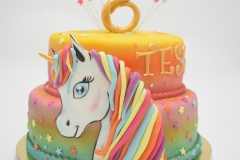 Unicorn verjaardagstaart