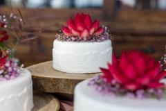 Bruidstaart-met-chocolade-bloemen.1