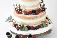 Bruidstaart-naked-cake-met-fruit-